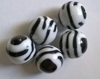 Set of 7 Zebra 16mm beads