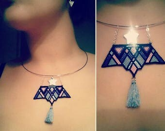 Choker pendant necklace