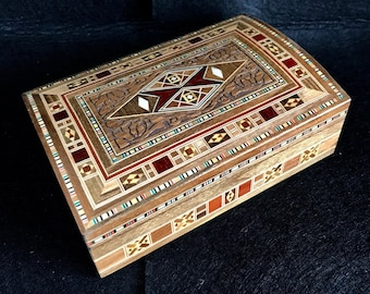 Box of marquetry Syrian top carved-Syrian marquetry box-jeweler-Jewellery