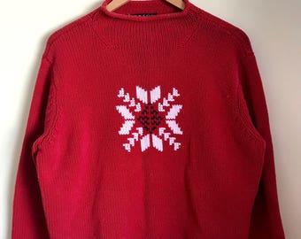 Fair isle sweater // minimal sweater // snowflake sweater // 90s sweater