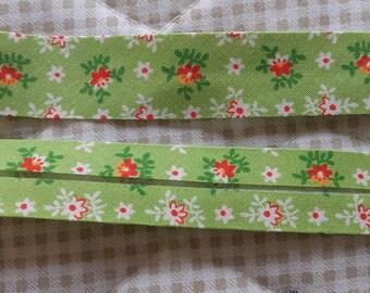 BIAS in lime green flowers 20/10/10 length 2 yards