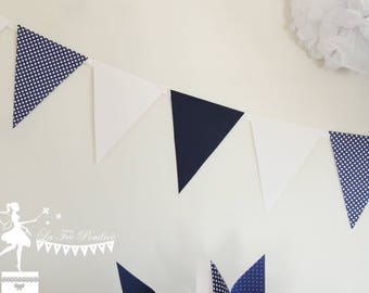 12 Bunting Navy Blue and white 155cm