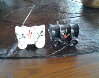 Vintage Covered wagon salt and pepper shakers