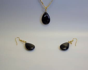 Necklace and earrings of black obsidian with gold plated findings and chain