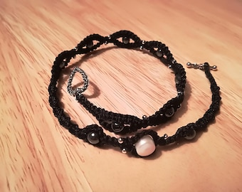 Macrame bracelet with natural stones( Black hematit 9x and 1 perl)