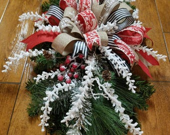 Christmas Table Arrangement, Christmas Holiday Table Arrangement, Christmas Holiday Decor
