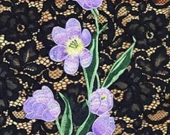 Embroidered patch flower