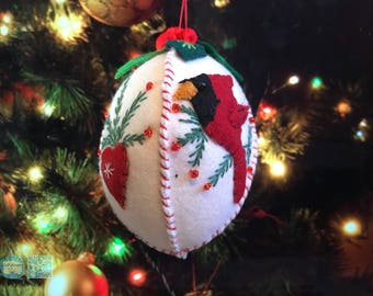 hand stitched Christmas ball Handcrafted felt Christmas tree decoration / felt hanging ornament chic felt / primitive decoration bird