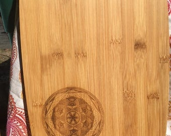 Snow ||| Flower bamboo cutting board