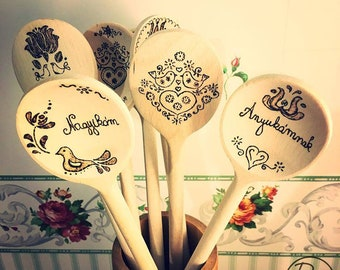 Hand burned wooden spoons. Personalizable. handmade, folk art design, home sweet home, made with love, made to order. Add your text!