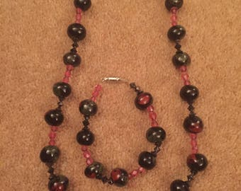 Handmade black and pink necklace and bracelet Beaded Jewellery set
