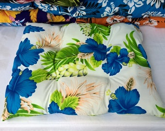 Pet bed, tropical hibiscus print