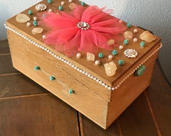 jewelry box/old recipe box