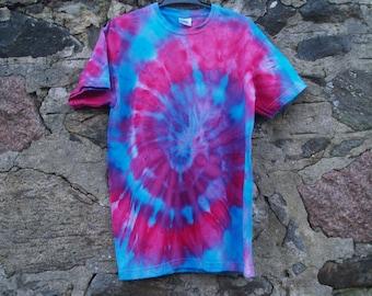 Tie dye t-shirt children's ages 12-13 ice dye red/blue spiral