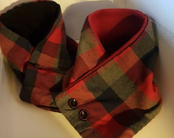Red chack plaid cowl scarf