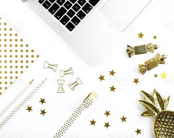 Christmas Workspace | Styled Stock Photography | Flat Lay Photo | Social Media Photo | Gold & White | Stationery