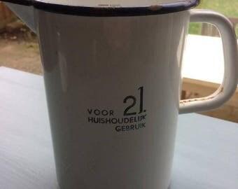 Enamel measuring cup 2 liter