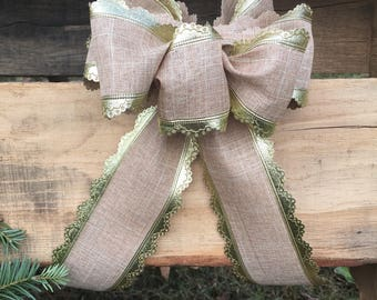 Linen and Gold Bow