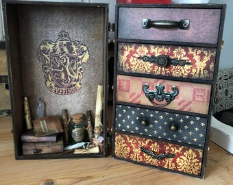 Harry Potter Themed jewellery chest Gryffindor