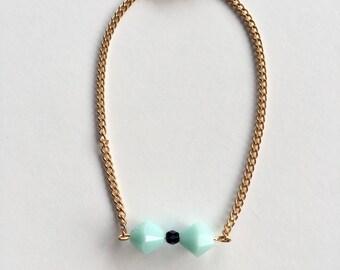Bow tie green & Gold Bracelet