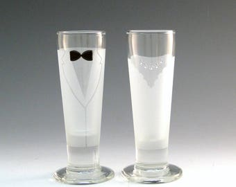 Bride and Groom Shots - Make your wedding day even more elegant and special with these handmade glasses!