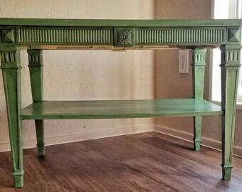 Vintage Olive Victorian Table
