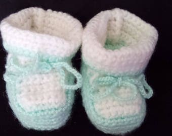 New wool baby booties