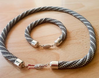 Grijs/wit Beaded touw ketting
