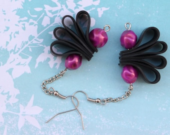 Magenta twins (handmade earrings from recycled bicycle inner tube and beads)
