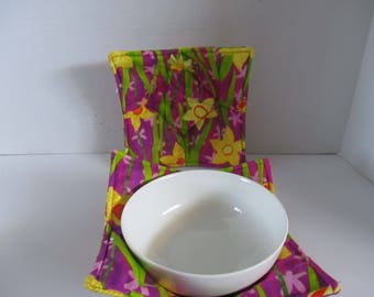 Bowl cozy, microwave bowl, purple with daffodils, kitchen, kitchen and dining, microwave hot pad, microwave safe, bowl holder, hot pad,