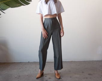gray textured trousers / pleated pants / roomy leg trousers / 28 waist / US 6 / 2717t / B15