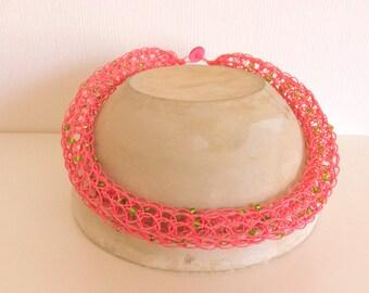 Schlauchkette aus Papier mit Rocailles rosa/grü