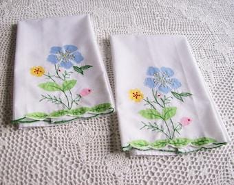 Vintage Fingertip Cotton Towels Applique Floral  Pair of Tea Towels