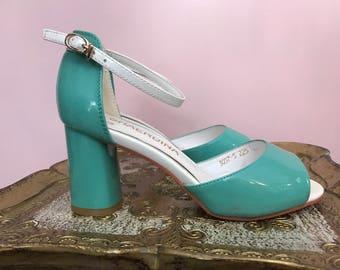 Vintage shoes aqua shoes size 6 open toe vintage sandals ankle strap patent leather