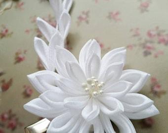 Kanzashi Snow White Bridal Flower Fabric Flower Hair Clip