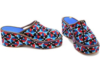 Platform Slippers 70s Psyhedelic Print Soft Velour Home Mules Bold Blue Red Black Fleece Insulated Retro Mom Slippers Us 7.5, Eur 38, Uk 5
