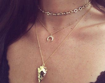 Dainty Gold Horn Necklace // Boho Crescent Delicate Layering Jewelry // Bohemian Short Choker Necklace