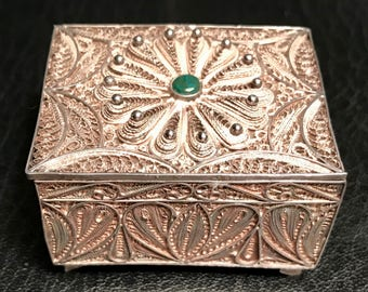 Peruvian Sterling Silver filagree pill/jewelry box