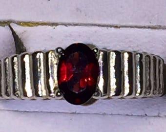 Garnet silver ring - size 5