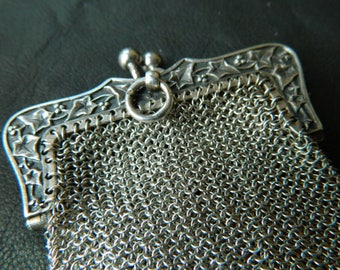 Antique  Silver  Mesh Metal Coin Purse - Silver Coin pouch with Ivy décoration - Antique Silver chainmaille purse - antique mesh purse