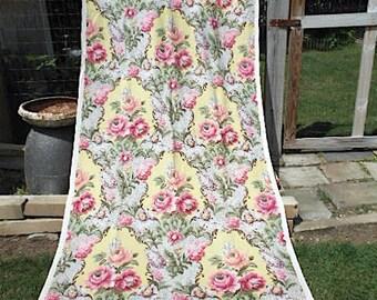 40s Floral linen fabric, 3.25 yds, Barkcloth Era - Cohama Florentine rose bouquet scrolls - Hollywood Baroque