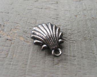 Silver Shell Charm Clam Shell Ocean Sea Charm Item No. 9841