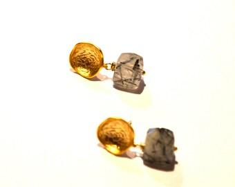 Gold Green Earrings / Round Gold Vermeil Earrings with Rutilated Quartz Gemstone Post Earrings / Geometric Earrings / Minimalist Earrings