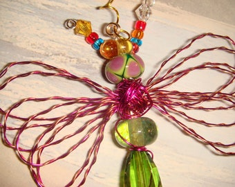 "My #9107 Beautiful! Pretty Green Bug-Eyed Alien Fluttering Dragonfly!..Unique! Ornament! home decor! Size 3""Wx4""L"