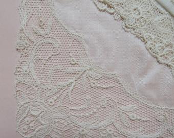 3 Vintage Hankies, 1950s Fine Linen Hankie Set with Embroidered Tulle Lace, Unused, Saxony - Vintage Wedding, Bride