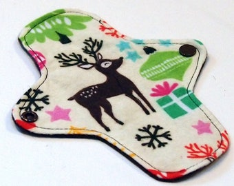 7 inch Reusable Cloth winged ULTRATHIN Pantyliner - Cotton flannel top - Christmas Reindeer