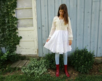 Upcycled Embroidered Beaded Lace Tunic Top// Medium// emmevielle