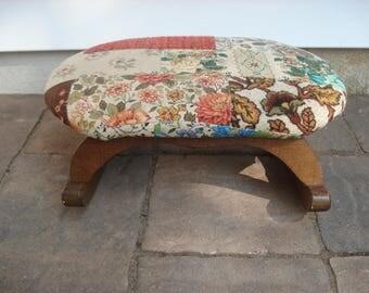 Charming rocking footstool - original fabric - wood base