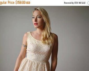 ANNIVERSARY SALE 1950s Ivory Lace Party Wedding dress~Size Extra small
