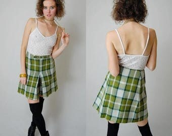 "SALE 25% off sundays Plaid Culottes Vintage 60s Avocado + Ivory Wool Plaid School Girl Preppy Short (27"" waist)"